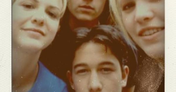 Heath Ledger, Joseph Gordon-Levitt, Julia Stiles, and Larisa Oleynik in a Polaroid