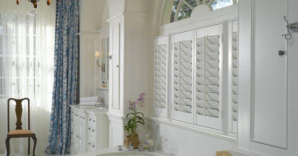 Luxury Bathroom Design In New Orleans La This Beautiful Luxury Bathroom Features Exquisite