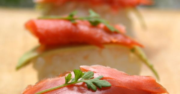 Tuna over sticky rice   Yummy!   Pinterest   Tuna and Rice