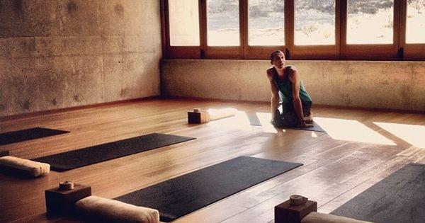 Minimalist Classroom Yoga ~ Yoga studio modern fitness design gym spa、yoga、gym
