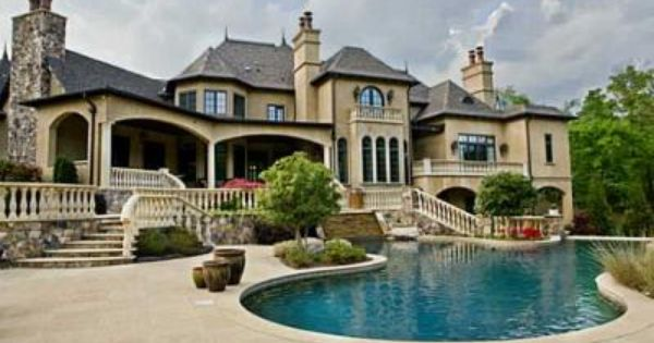 Inside Huge Houses 10,000 square feet of elegant living space, only if i had a maid