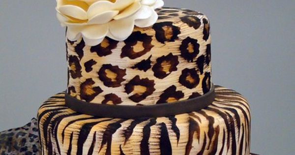 Leopard cake.... My future wedding cake :)