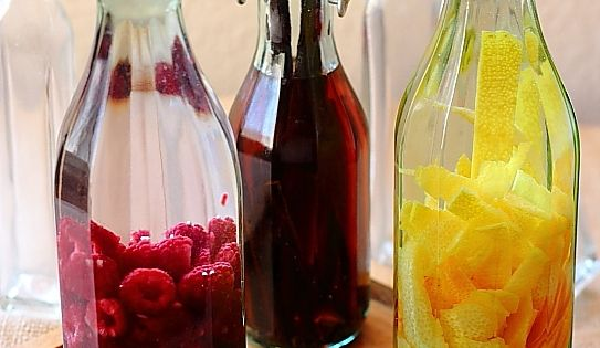 Home-made Extracts....learn to make your own and never buy lower quality, more expensive extracts again.. | See more about Homemade, DIY and Vanilla Extract.