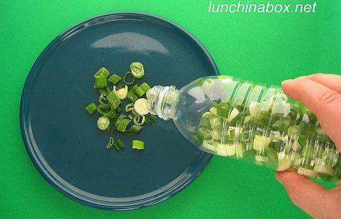 Cool Food Storage Idea Freeze green onions in water bottles - shake