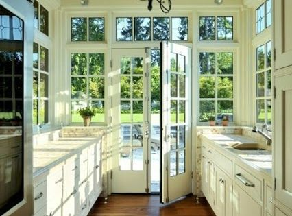 surprising kitchen lots windows   Greenhouse-Inspired Kitchens: Lots of Windows and Light ...