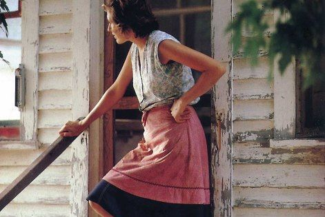 old farm house, adorable apron and bare feet = love