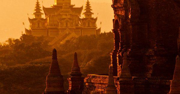 Travel Asian Temple Complex / Bagan, Myanmar
