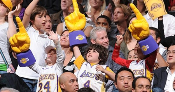 Los Angeles Lakers Tickets Lakers Lakers Game Get Tickets