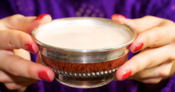 Mongolian salted milk tea, Süütei Tsai | Traditional Mongolian ...