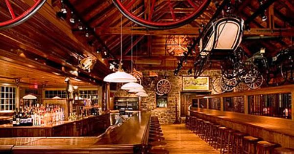 Clydes Restaurant In Ashburn Made Out Of An Old Barn