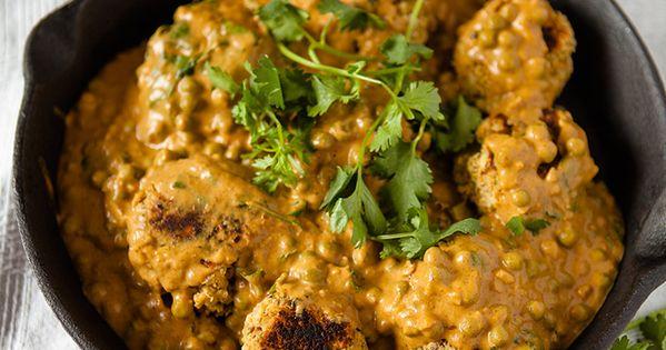 Dinner Recipe: Vegan Chickpea Meatballs in Creamy Curry Cashew Sauce vegan healthy