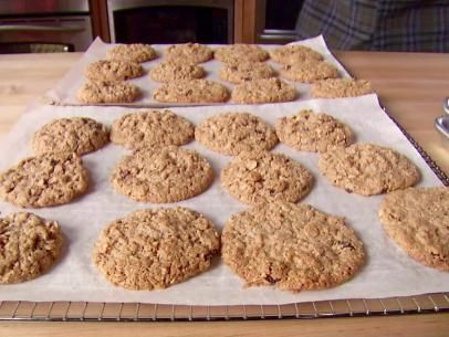 The oatiest oatmeal cookies ever recipe the oatmeal for Alton brown oat cuisine