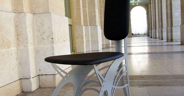 Chaise design de style art nouveau en m tal et cuir dit - Chaise art contemporain ...