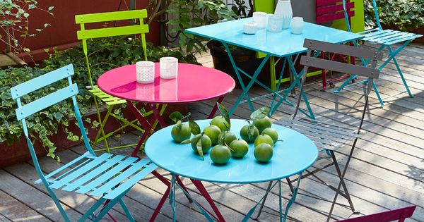 tables et chaises de jardin color es pims d coration ext rieure pinterest jeux en. Black Bedroom Furniture Sets. Home Design Ideas