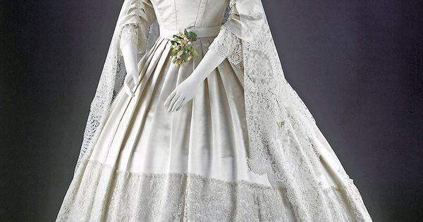 Find the best wedding gown preservation by learning how museums store heirloom