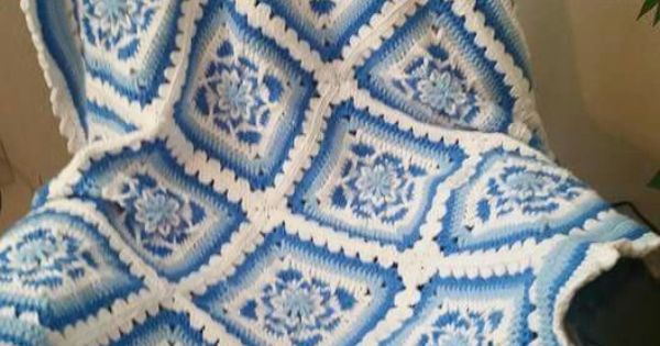 Free Amazing Star Crochet Pattern : From amazing star afghans crochet house Pinterest ...