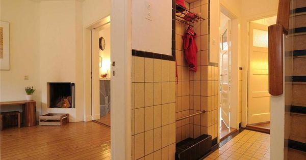 Betegelde kast in de gang van deze jaren 39 30 huis in utrecht tegels jaren 30 pinterest - Deco toilet ontwerp ...