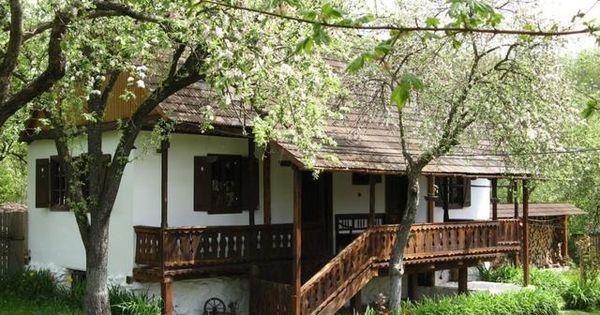 Pin do a p ter usa ov em backyard pinterest portas for Casa moderna in moldova