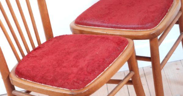 Chaises vintage bistrot bois clair velours style for Relooker une chaise en bois