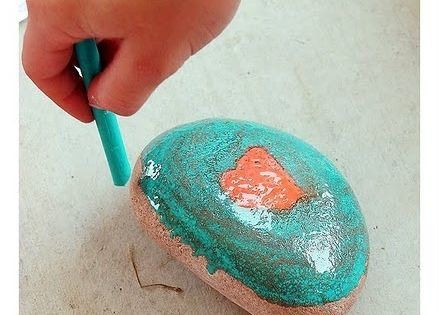 Wish i knew this when I was babysitting! Crayon hot rocks: If