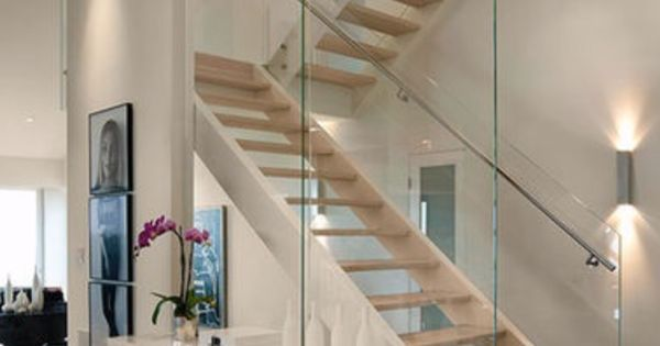 komplette wei e freie holztreppe mit glas stahl gel nder freie treppe und gel nder holz und. Black Bedroom Furniture Sets. Home Design Ideas