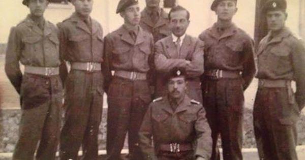 بعض ضباط الجيش الليبي الدفعة الثانية من اليمين السيد محمد يونس المسماري السيد خليفة المحمودي السيد جميل عبد السيد ضابط عراقي المرحوم فرحات Libya Libyan City