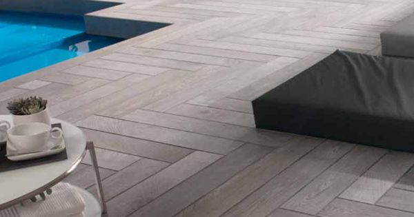 Porcelanosa par ker oxford antracita wood porcelain indoor outdoor tiles tegels - Relooker sa chambre een couc haar ...