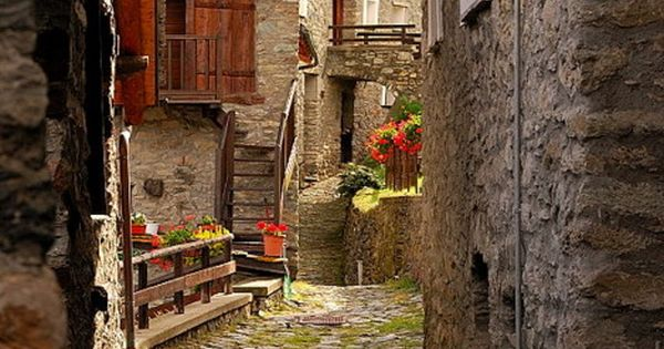 Ancient Street, Torgron, Tuscany, Italy, Europe, country, explore, travel, visit,