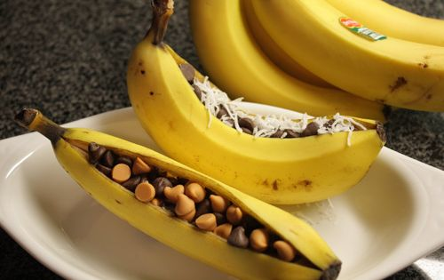 Banana Banana boats. Dessert recipe for the grill. Bananas (As many as