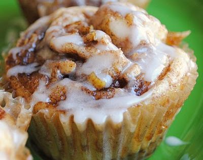 Apple Cinnamon Roll Muffins. these look so yummy