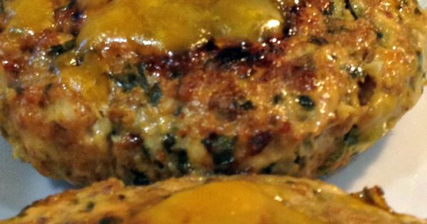 Chicken Burgers with Spinach Cheddar - Clean eating, ... But I'm going to make them Turkey Burgers instead!!