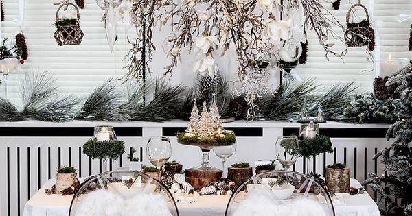 Welkom aan onze feestelijke tafel versier uw stoelen met een leuk extraatje deze - Versier een kleine woonkamer ...