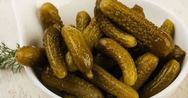 Dlaczego Ogorki Kiszone Sa Puste W Srodku Wp Kuchnia Food Sausage Meat