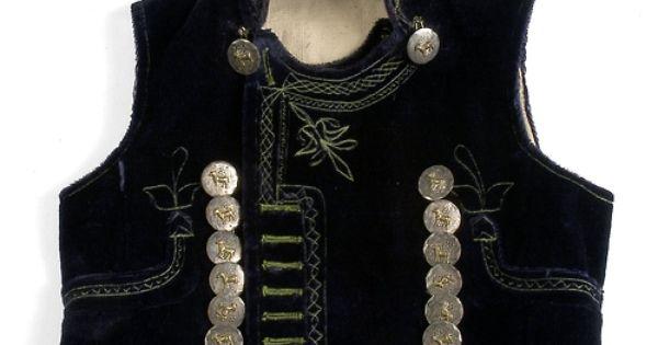 Chaleco del un traje tradicional masculino de la localidad - Muebles epoca salamanca ...