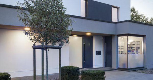 Eingangsbereich eingang architektur und hauseingang for Minimalismus hausbau