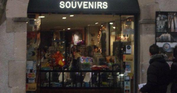 Tienda de souvenirs emporio calle mallorca barcelona - Calle casp barcelona ...