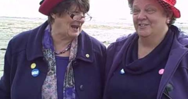 The Giggly Grannies On Ventnor Beach Youtube When I Grow Old I