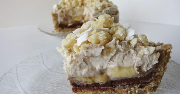 Fragrant Vanilla Cake: Raw Banana Macadamia Coconut Dream Pie
