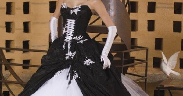 Robe de mariée originale noire et blanche en satin doccasion  Robes ...