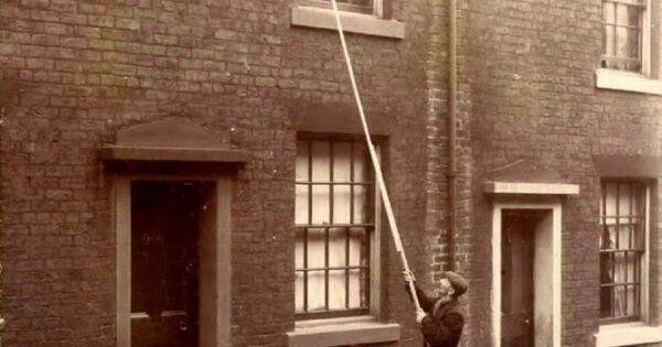 A Quot Knocker Up Quot Waking Up Clients The Early 20th Century