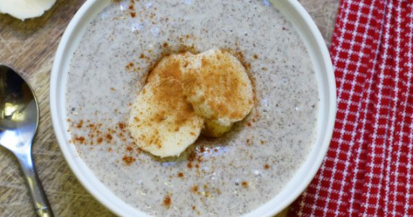 Vanilla chia seed pudding -- vegan -- detoxinista.com