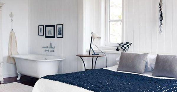 Badkamer slaapkamer kamer naar kamer de slaapkamer pinterest witte muren slaapkamers - Witte kamer en fushia ...