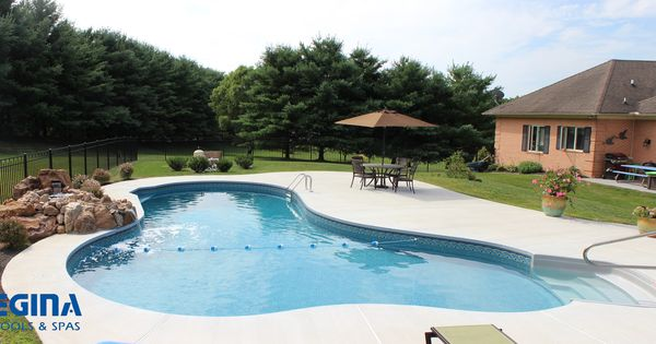 Lagoon Shaped Vinyl Liner Swimming Pool Located In Sparks Md Baltimore County Backyard