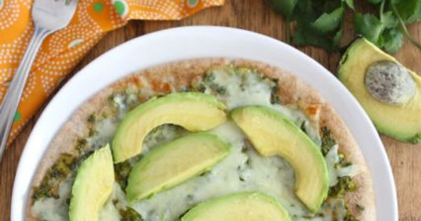 pita pizza recipe two peas avocado pita pizza with cilantro sauce pita ...