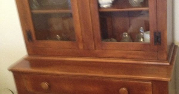 Cushman Colonial Creations China Cabinet Classic Styles