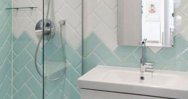 Bleu dans la salle de bains 10 inspirations d co d co for Pose carrelage metro parisien