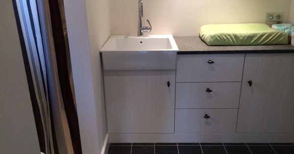 Ingemaakte kast lavabo en douche berging kasten for Bieke vanhoutte interieur