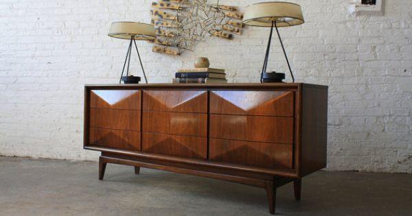 United Furniture Diamond Dresser Credenza Sideboard