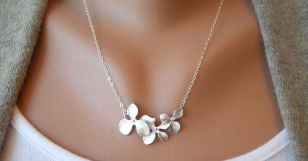 three orchids necklace