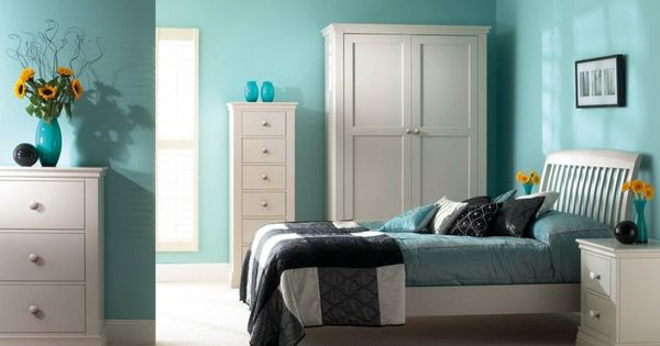 hellblau eine beruhigende farbe f rs schlafzimmer apartment ideas pinterest moderne. Black Bedroom Furniture Sets. Home Design Ideas